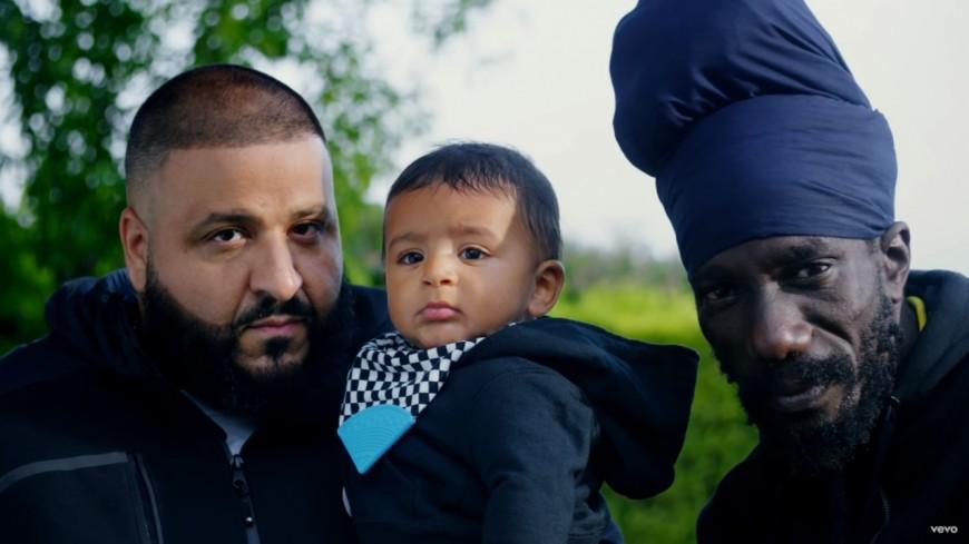 Dj Khaled a rejoint Sizzla en Jamaïque dans ''I'm so Grateful'' !