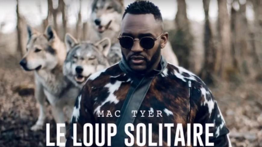 Mac Tyer se la joue Loup Solitaire dans son dernier clip !