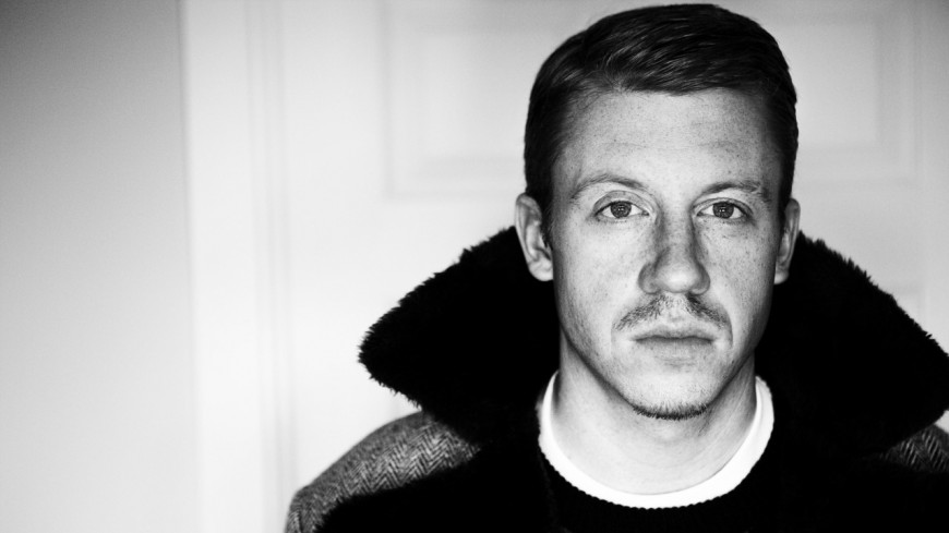 Macklemore claque un lourd freestyle en direct à la radio !