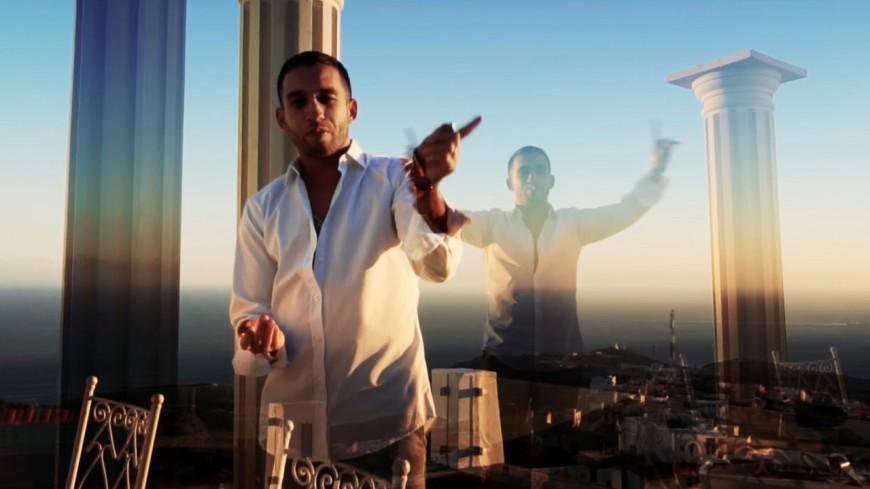 Mister You s'envole au Maroc et gère un convoi de drogue dans ''C'est Quoi Les Bails'' !