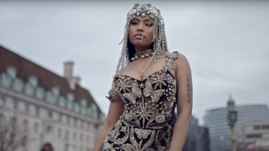 Nicki Minaj en reine du rap game dans ''No Frauds'' !
