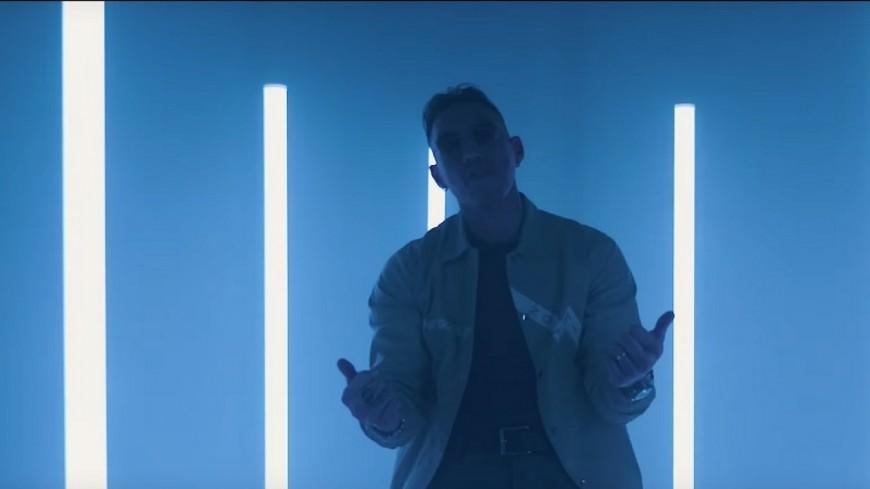 Mr Nov allume les ''Flammes'' dans son nouveau clip !