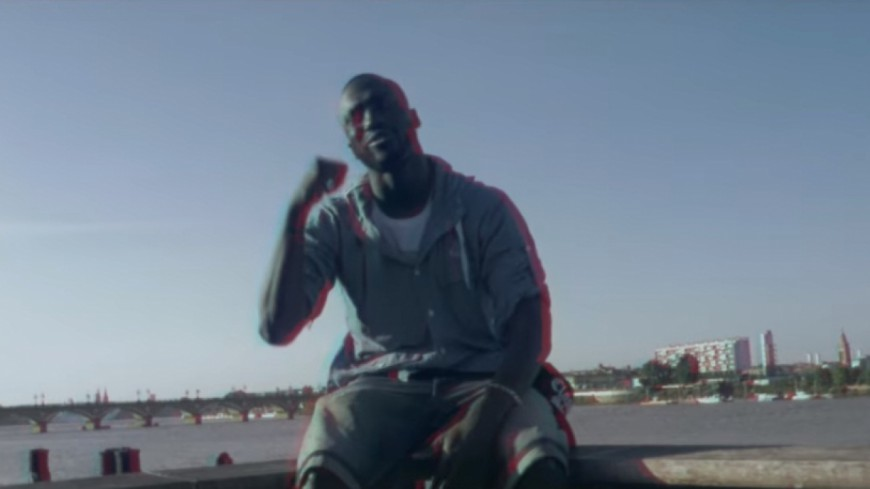 Sam's en mode californien dans son clip ''Yang'' !