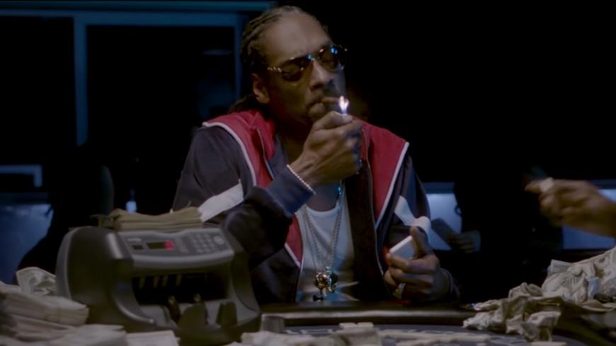 Snoop Dogg et K Camp tournent ''Trash Bags'' en live d'un strip club !