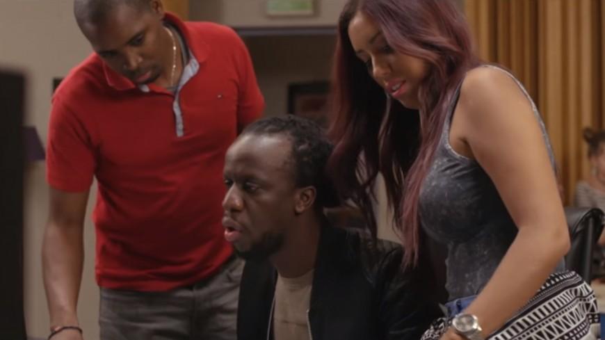 Ayna et Youssoupha chantent en hommage à leur papa !
