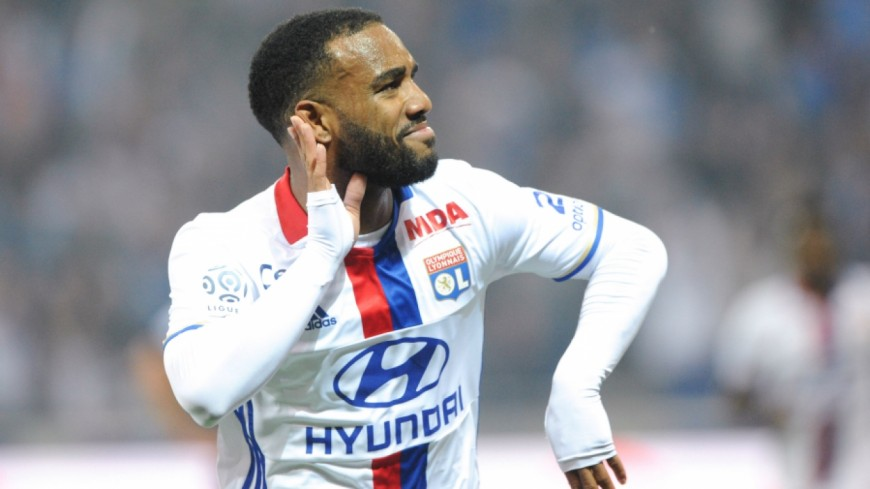 Lacazette, premier choix d'un grand club !