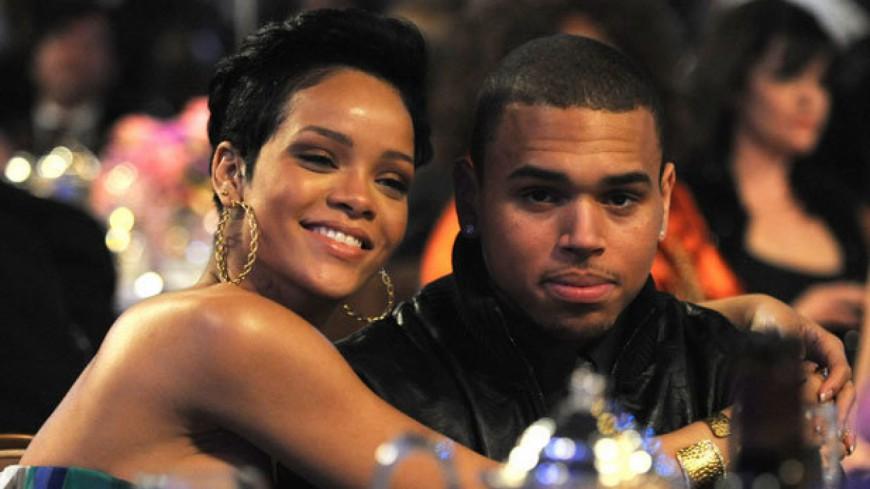 Chris Brown fait des appels de phare à Rihanna !