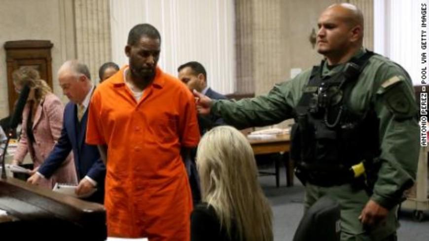 R. Kelly accuse les matons d'être à l'origine de son agression