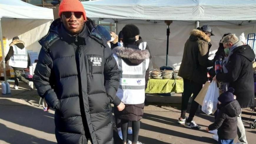 Mokobé engagé : il organise un marché solidaire