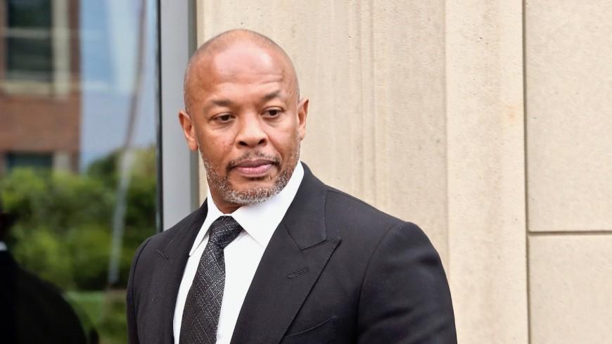Dr. Dre n'a toujours pas quitté les soins intensifs !