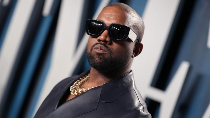 Kanye West prend l'avion comme tout le monde !