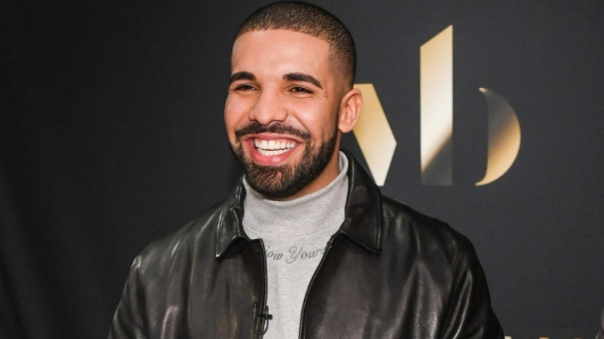 Quand Drake devient tatoueur!