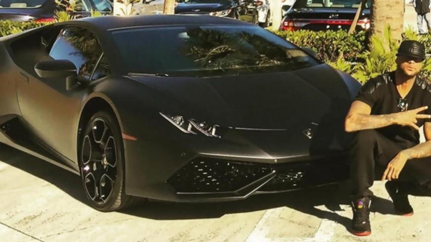 Booba arrête des Lamborghini pour de vrai !