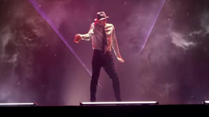 Chris Brown chaud pour un strip tease dans Privacy !