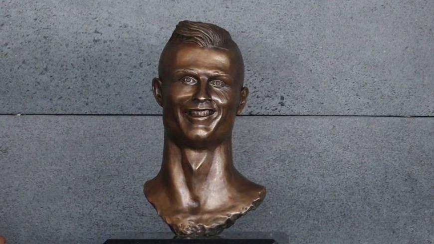 L'horrible statue de Cristiano Ronaldo à Madère…