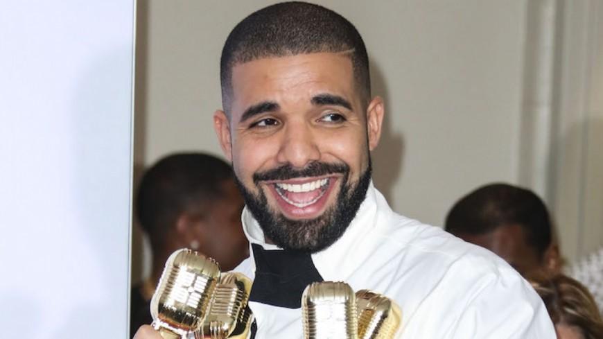 Drake bat un record et détrône les Beatles !