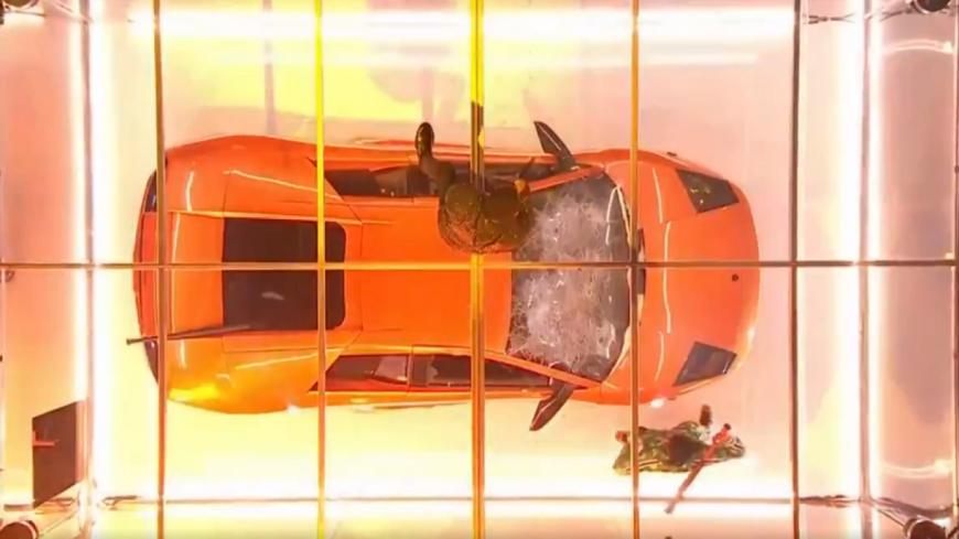 Kendrick Lamar et Rich The Kid défoncent une voiture sur scène !