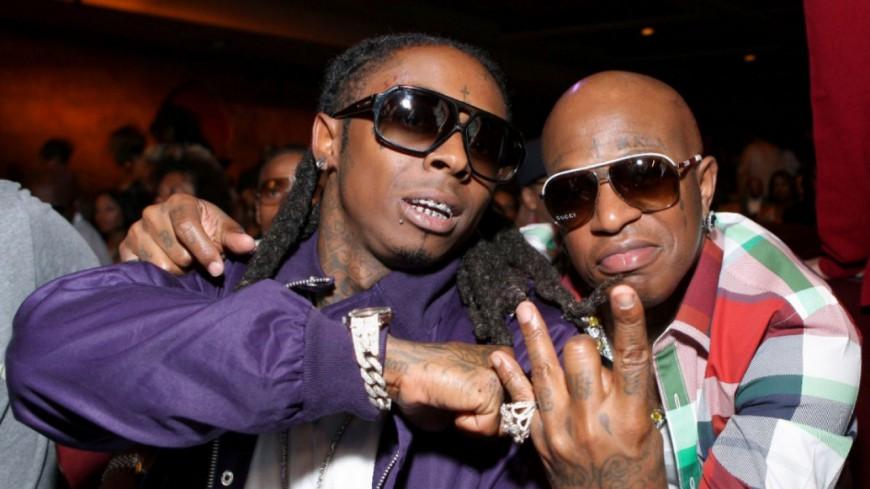 Birdman jette un verre sur Lil Wayne pendant un concert !