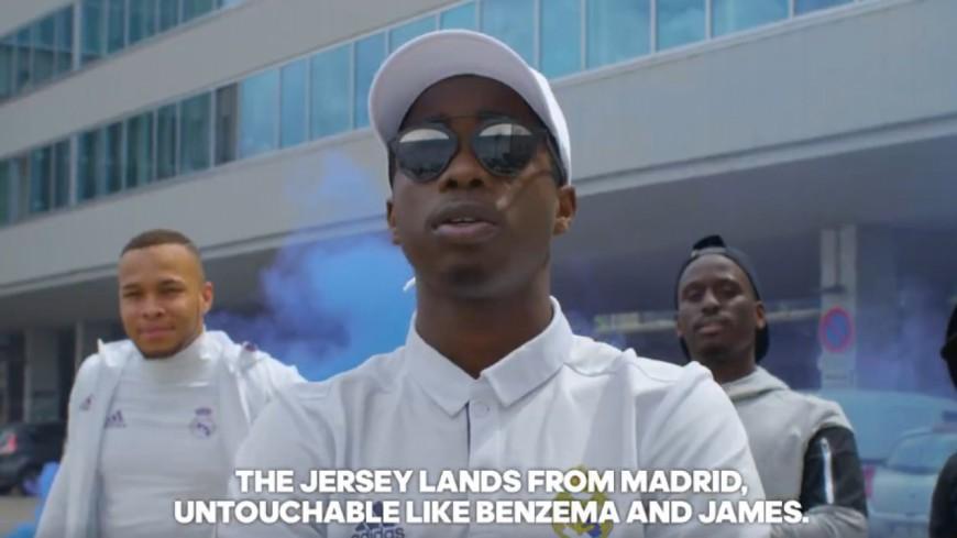 MHD présente le nouveau maillot du Real Madrid avec Zidane !
