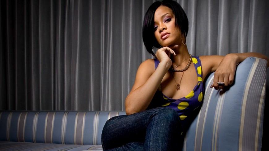 Rihanna lancera sa ligne de cosmétiques !