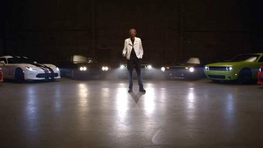 Wiz Khalifa se voit offrir un Dodge Charger !