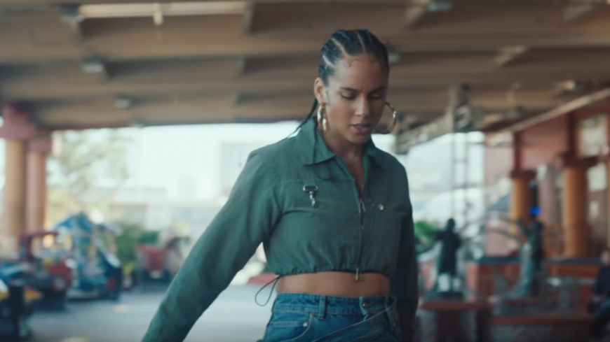 "Alicia Keys prépare son grand retour avec ""Underdog"" !"