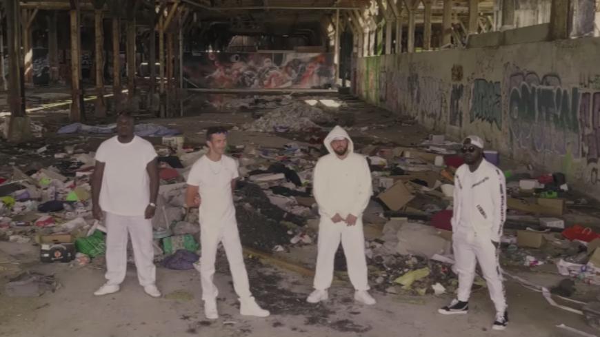 "Ul'Team Atom et Mani Deïz se sappent en ""Costume Blanc""!"