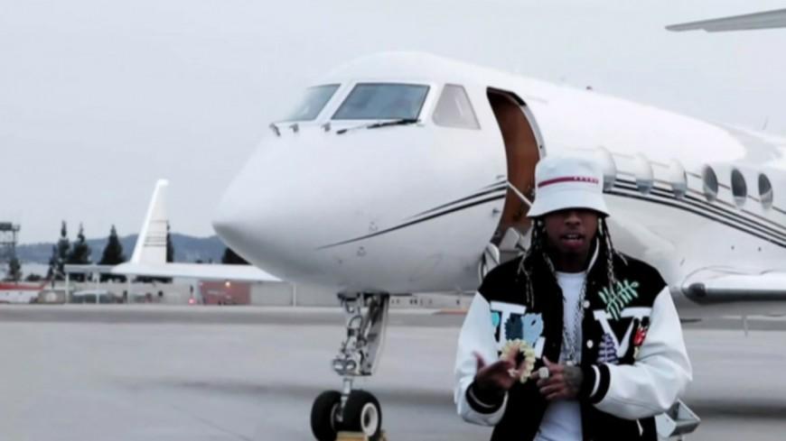 """Tyga prêt à décoller dans """"Nigo in Beverly Hills"""""""