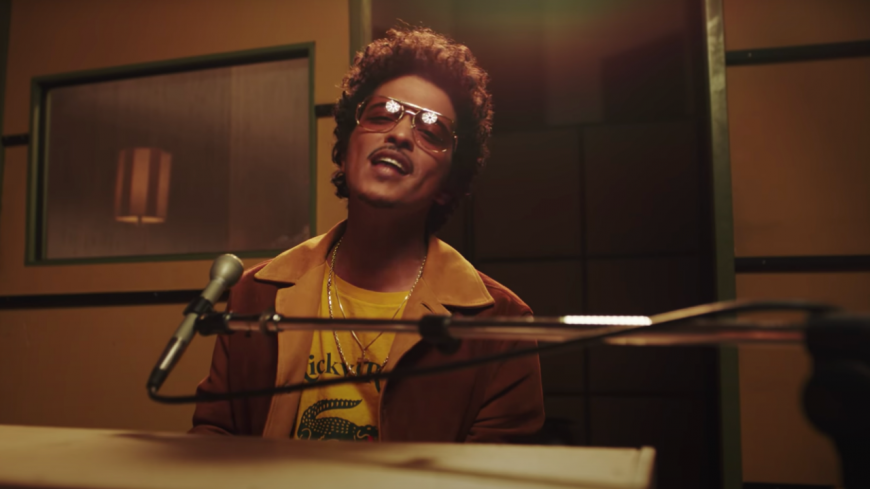 """Bruno Mars et Anderson .Paak demandent """"Leave the Door Open"""""""