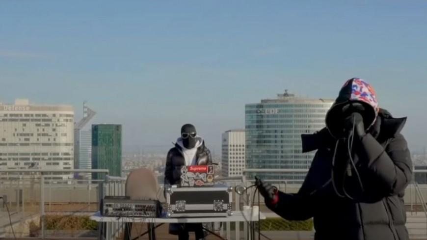 Kekra fait l'événement en live de l'Arche de la Défense !