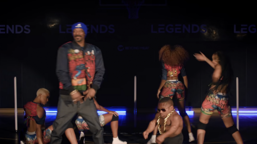 """Snoop Dogg demande : """"Say It Witcha Booty"""""""