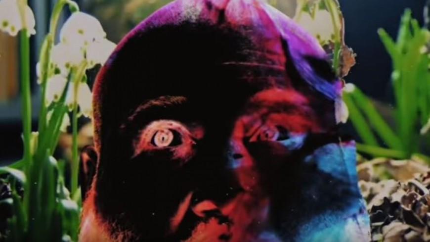 Action Bronson vit sa vie à fond dans son dernier clip !