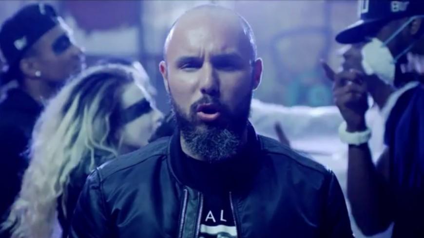 Bakar appelle à l'unité dans le clip de ''Warriors'' !