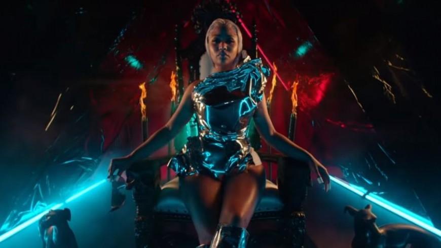Nicki Minaj dévoile le clip apocalyptique de ''Hard White''