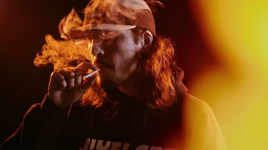 Darryl Zeuja nous partage son ''Style 2 Vie'' dans un clip brûlant !